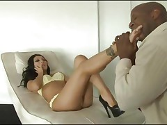 Asian stunner Asa Akira gets a thick black length