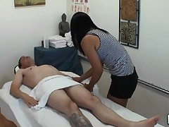 Stud gets double joy from massage and sex